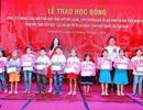 Ninh Bình: Trao 105 suất học bổng cho học sinh mồ côi, hoàn cảnh khó khăn đầu năm học