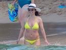 Britney vui vẻ đi tắm biển tại Hawaii