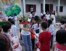 Sinh viên ĐH Vinh tặng quà Trung thu cho học sinh nghèo