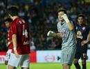 Đặng Văn Lâm xuất sắc, giúp Muangthong United thắng kình địch Buriram United