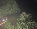 Tìm kiếm nam sinh lớp 11 sau khi phát hiện nữ sinh cùng trường tử vong dưới hồ