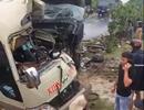 Xe ben đâm nát đầu xe khách, 6 người bị thương