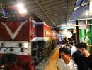 Xóm đường tàu phố cổ Hà Nội thành điểm chơi đêm nhộn nhịp