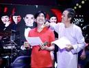 Hoài Linh lau mồ hôi cho Quang Hà trong buổi tập nhạc