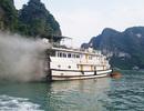 Cháy tàu du lịch đang neo đậu trên vịnh Hạ Long