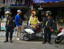 Theo chân tổ cảnh sát đặc biệt tuần tra trên đường phố Hà Nội