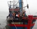 Lai dắt thành công tàu cá cùng 7 thuyền viên gặp nạn trên biển