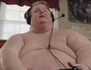 """Cả ngày chỉ """"cày game"""" và ăn, chàng trai nặng 317 kg định """"sẽ ăn đến chết"""""""