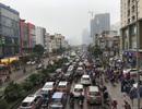 """Giao thông phía Tây Nam Hà Nội """"tê liệt"""" trong cơn mưa phùn"""