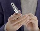 Galaxy Fold gặp lỗi bong logo Samsung sau vài tuần sử dụng