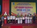 Trường ĐH Quảng Bình trao thưởng 11 tân thủ khoa trong ngày khai giảng