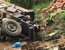 Công nông tông xe máy rồi rơi xuống mương, 2 tài xế cùng tử vong