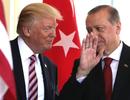 """Phía sau quyết định """"bật đèn xanh"""" cho Thổ Nhĩ Kỳ khai hỏa tại Syria của ông Trump"""