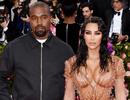 Kim Kardashian khiến chồng phiền lòng vì quá sexy