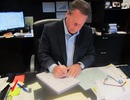 Một CEO viết tay hơn 9.200 tấm thiệp cho nhân viên và giá trị của lòng biết ơn