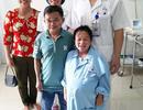 """Niềm vui vỡ òa trước cửa phòng sinh của cặp vợ chồng """"tí hon"""" ở Phú Thọ"""