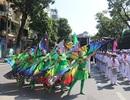 150 nghệ sĩ biểu diễn nghệ thuật xiếc trên phố đi bộ Hồ Gươm