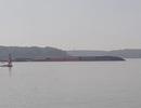 Tàu hàng 8.000 tấn chở gần 300 container chìm trên sông Lòng Tàu