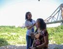 Ngày 20/10 đặc biệt của những phụ nữ cửu vạn, nhặt ve chai ở Hà Nội