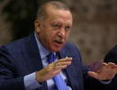 """Tổng thống Thổ Nhĩ Kỳ ra tối hậu thư, dọa """"nghiền đầu"""" lực lượng người Kurd"""