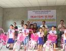 Quảng Bình: 30 học sinh nghèo vui mừng được tặng xe đạp để đến trường