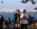 Buổi sáng đầu đông trong vắt bên hồ tự nhiên lớn nhất Hà Nội