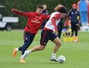 Bất chấp mọi chỉ trích, Xhaka vẫn ra sân tập cùng Arsenal