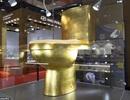 Bồn cầu mạ vàng đính hơn 40.000 viên kim cương được treo giá 30 tỷ đồng