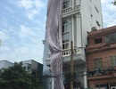 Cưỡng chế tháo dỡ nhà 7 tầng sai phép của Chánh Thanh tra xây dựng quận 10