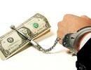 Tố bị ép làm nô lệ tình dục, nữ nhân viên karaoke đòi bồi thường 100 triệu đồng