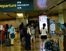Nhân viên bốc xếp giận dỗi, đổi thẻ hành lý của hàng trăm người