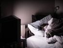 Bật đèn khi ngủ và những tác hại khôn lường