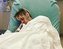 Fans lo lắng khi thấy Aaron Carter nằm viện