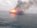 Ngư dân cứu hộ 7 thuyền viên gặp nạn trên tàu cá bị cháy