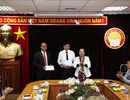 Trung ương Hội Khuyến học VN trao Bảng vàng Khuyến tài cho 2 tác giả đoạt giải thưởng Khuyến tài - Nhân tài đất Việt 2019