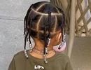 Con gái Kylie Jenner tết tóc rất đáng yêu