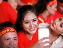 Hoa hậu Di Khả Hân cùng hàng triệu trái tim hướng về đội tuyển Việt Nam