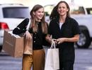 Con gái lớn nhà Jennifer Garner - Ben Affleck ngày càng xinh đẹp giống mẹ