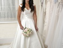 Cô gái hoãn đám cưới 18 năm chỉ để… giảm cân
