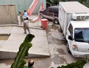 """Dự án chung cư """"đứng hình"""" vì bị xe chặn trước cổng"""