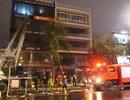 8 xe cứu hỏa khẩn cấp dập đám cháy ngôi nhà 5 tầng tại Đà Nẵng