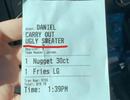 """Truy tìm nhân viên đặt tên khách hàng là """"Mặc áo xấu"""" trên phiếu thanh toán"""