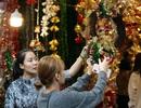 Đường phố Hà Nội được trang hoàng rực rỡ đón Giáng sinh