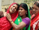 Cô gái Ấn Độ 17 tuổi bị thiêu sống sau khi bị cưỡng hiếp tập thể