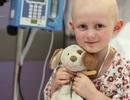 Ông già Noel có thật: Người lạ tặng 12 tỷ đồng cho bé gái bị ung thư ngay trước thềm Giáng Sinh