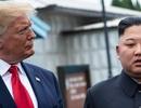 """""""Lửa và thịnh nộ"""" - kịch bản đối đầu căng thẳng Mỹ - Triều năm 2020?"""