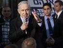 Thủ tướng Israel vội tránh tên lửa khi đang vận động tranh cử