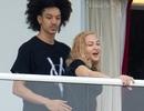 Madonna giành được thiện cảm của bố mẹ bạn trai kém tuổi