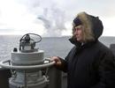 Tổng thống Putin lên tàu tuần dương thị sát tập trận gần Crimea