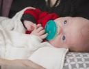 Em bé thứ 2 chào đời từ tử cung hiến tặng tại Mỹ